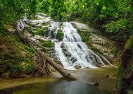 Malaysia Rundreise | Wasserfall des Sungai Enam im Royal Belum Rainforest