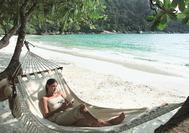 Relax am Strand von Pangkor Laut
