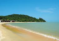 Unberührte Strände in Cherating an der Ostküste Malaysiens